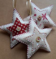 I mean, who wouldn't want a homemade felt star for their Xmas tree?